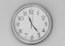 Pared del reloj Imágenes de archivo libres de regalías