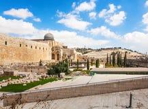 Pared del templo antiguo Imágenes de archivo libres de regalías