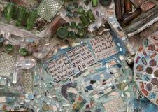 Pared en jardines mágicos de Isaiah Zagar, Philadelphia Imagen de archivo