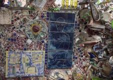 Pared en jardines mágicos de Isaiah Zagar, Philadelphia Foto de archivo libre de regalías
