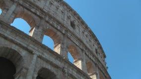 Pared exterior del Colosseum en Roma almacen de metraje de vídeo
