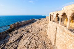Pared fenicia antigua en Batroun, Líbano imagenes de archivo