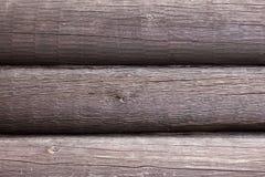 Pared hecha de fondo de madera de los registros Fotografía de archivo libre de regalías