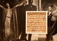Pared hermosa con los bailarines y los zapatos de ballet enmarcados, Museo Nacional de la danza y salón de la fama, Saratoga, 201 Fotos de archivo libres de regalías