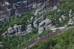 Pared inclinada de la roca imagen de archivo libre de regalías