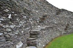 Pared interna del fuerte de la piedra de Cahergall en Irlanda foto de archivo