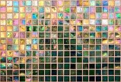 Pared iridiscente del azulejo Fotografía de archivo libre de regalías