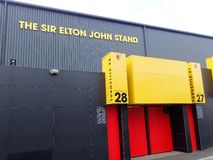 Pared lateral de Sir Elton John Stand, estadio del club del f?tbol de Watford, camino de empleo, Watford foto de archivo libre de regalías