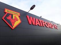 Pared lateral del estadio del club del f?tbol de Watford, camino de empleo, Watford fotos de archivo libres de regalías