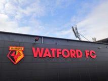 Pared lateral del estadio del club del f?tbol de Watford, camino de empleo, Watford fotografía de archivo libre de regalías