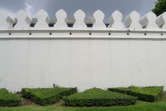 Pared magnífica del palacio en Bangkok foto de archivo