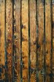 Pared marrón rústica hecha de tablones de madera Fondo natural corteje Foto de archivo libre de regalías