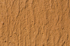 Pared marrón texturizada con el modelo Imagenes de archivo