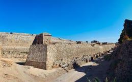 Pared medieval del externo del castillo Foto de archivo libre de regalías