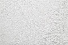 Pared pintada con la cal blanca Fotos de archivo