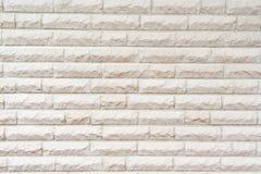 pared que consiste en las piedras blancas fotos de archivo libres de regalías