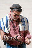 Pared que se lamenta Jerusalén, rogando Imagen de archivo libre de regalías