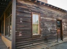 Pared resistida en el edificio del oeste viejo Imagen de archivo libre de regalías