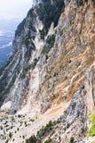 Pared roja de la montaña de Dobratsch, Austria Imagen de archivo
