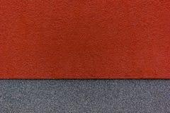 Pared roja y gris Imagenes de archivo