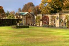 Pared romana en jardín del castillo de Hever Imágenes de archivo libres de regalías