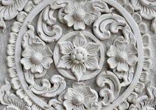 Pared tailandesa blanca del estuco del arte, templo tailandés Foto de archivo
