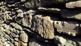 Pared vieja con la albañilería antigua, fondo abstracto almacen de metraje de vídeo