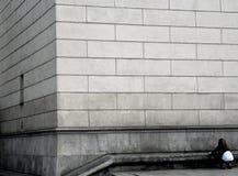 Pared y muchacha Fotografía de archivo libre de regalías