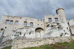 Pared y torre del castillo de Medival Imagen de archivo libre de regalías
