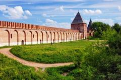 Pared y torre, Rusia de la fortaleza de Smolensk Imagen de archivo libre de regalías