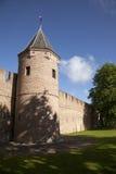 Pared y torre viejas de la ciudad en Amersfoort Foto de archivo libre de regalías