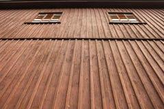 Pared y ventana de madera Imagen de archivo