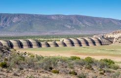 Parede África do Sul da represa de Beervlei - rio de Groot imagens de stock