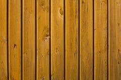 Parede amarela de pranchas de madeira Imagens de Stock Royalty Free