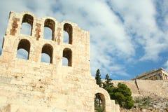 Parede antiga e céu azul agradável Fotos de Stock Royalty Free