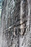Parede cinzelada em Angkor Wat Fotos de Stock Royalty Free