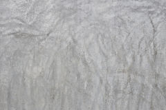 A parede cinzenta velha quebrou o concreto Imagem de Stock