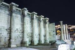 Parede circunvizinha da biblioteca de Hadrian na acrópole Fotos de Stock Royalty Free