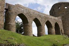 Parede com os arcos do castelo de Velhartice Fotografia de Stock