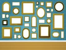 Parede com frames de retrato dourados e o wal decorativo Foto de Stock Royalty Free