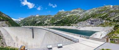 Parede concreta da represa Imagem de Stock Royalty Free