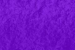 Parede cor-de-rosa gravada na iluminação lateral fundo violeta da tendência foto de stock royalty free