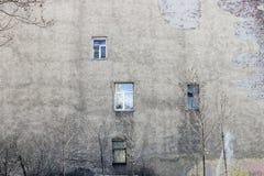 A parede da casa com Windows Fotografia de Stock