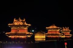 A parede da cidade de Datong iluminou na noite fotografia de stock royalty free