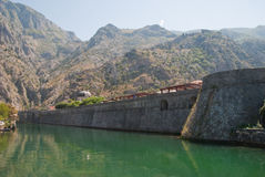 Parede da cidade de Kotor Fotos de Stock Royalty Free