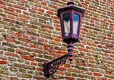 Parede da fortaleza com poste de luz Foto de Stock