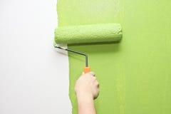 Parede da pintura da mão no verde Imagens de Stock