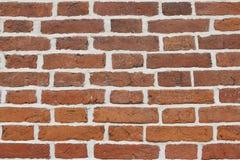 Parede da textura do tijolo obsoleto vermelho Fundo da alvenaria alaranjada velha com branco foto de stock royalty free
