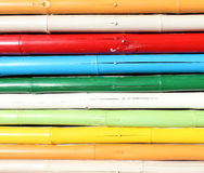 Parede de bambu colorida imagem de stock royalty free
