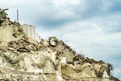Parede de construção desmoronada Foto de Stock